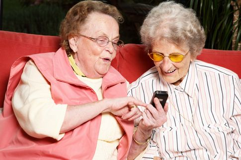 penzionerke citaju SMS