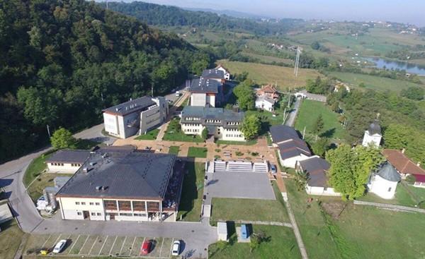 Kompleks istraživačke stanice Petnica iz ptičje perspektive