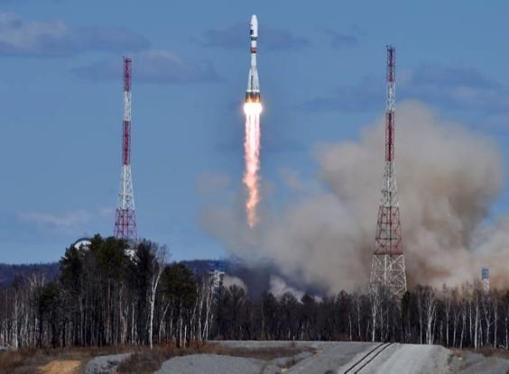 Lansiranje rakete Soyuz iz kosmodroma Vostochni - foto AP