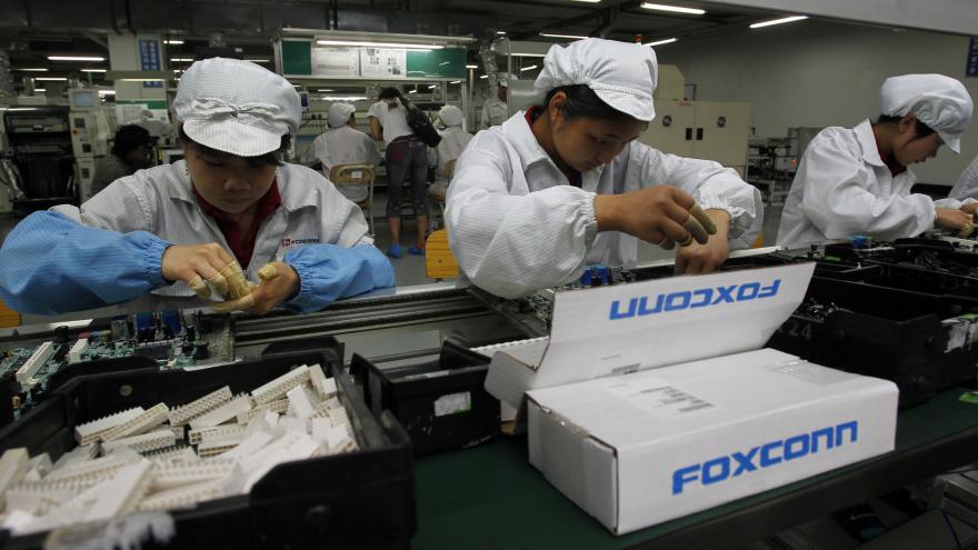 foxconn proizvodna traka